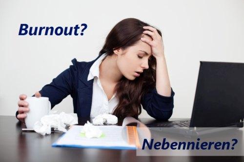 Erschöpfte Frau - Burnout? Nebennieren?