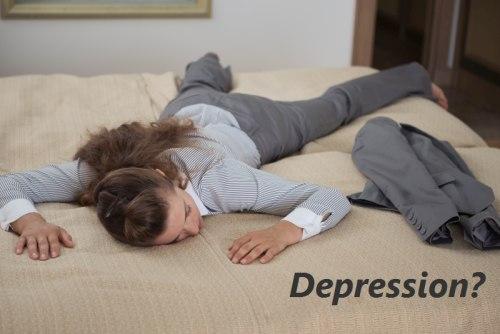 Depression - Bild mit erschöpfter Frau